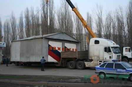 Перевозка павильона шириной 7 м